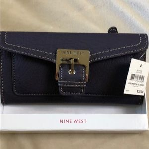 Nine West wallet UNUSED AND STILL IN BOX!
